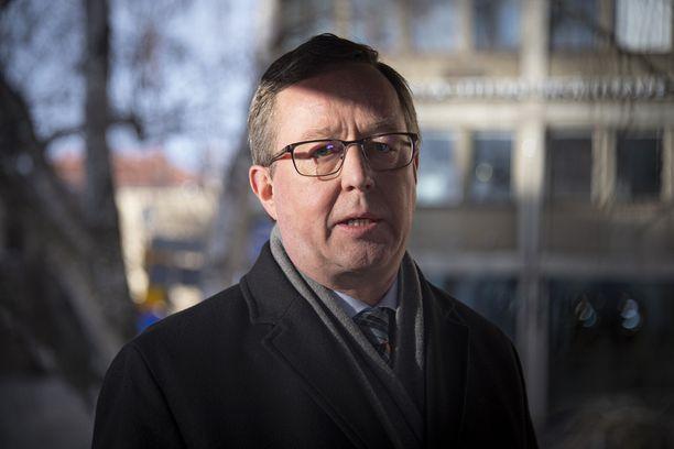 Elinkeinoministeri Mika Lintilä (kesk) ei omien sanojensa mukaan tiennyt mitään hallituksen exit-strategian jatkovalmistelusta.