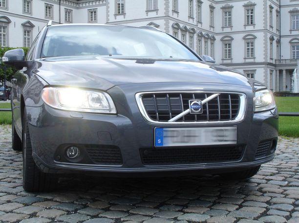 Volvo V70 -mallin eri versioita haetaan Ruotsista.