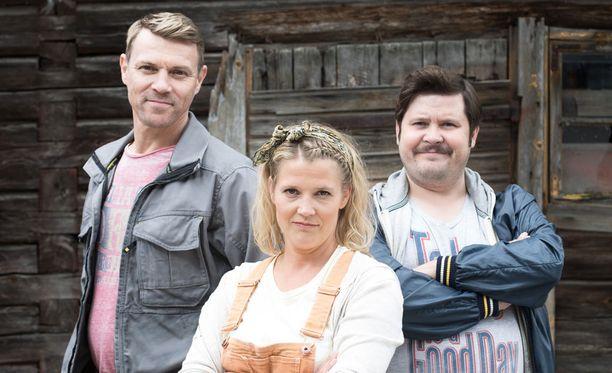Anssia esittää Esa Latva-Äijö, Miisaa Karoliina Vanne ja Jaskaa Janne Kataja.