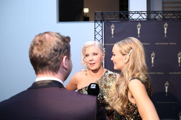 Vappu ja Marja alkavat pian vetää yhteistä talk show'ta.