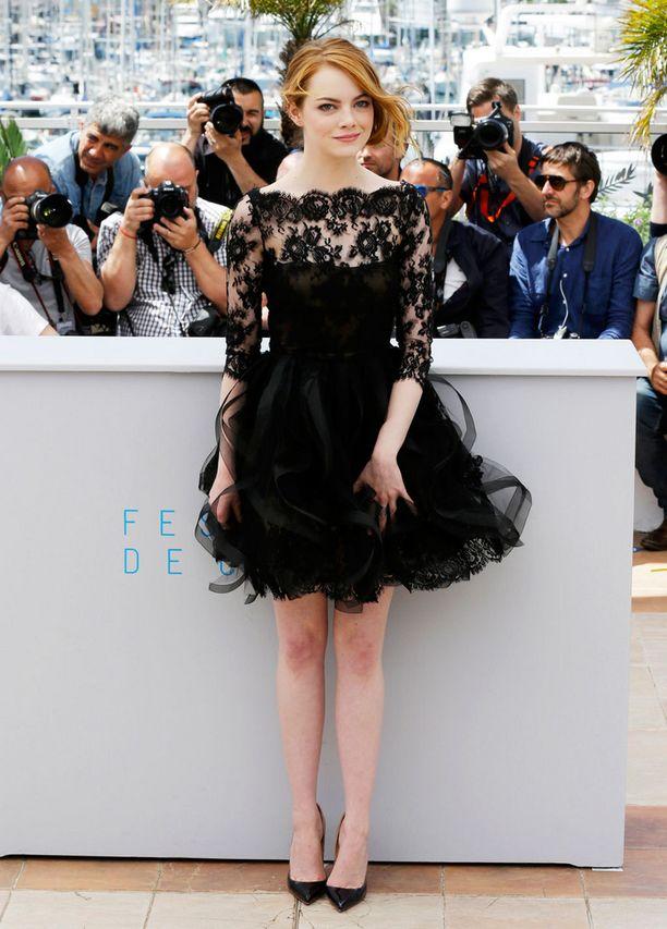 Emma Stone ihastutti myös Oscar de la Rentassa.