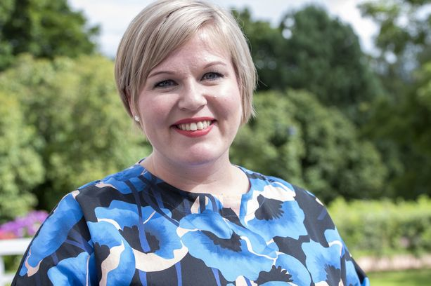 Kolmannen kauden kansanedustaja ja tuleva ministeri Annika Saarikko haluaa keskustan puheenjohtajaksi.