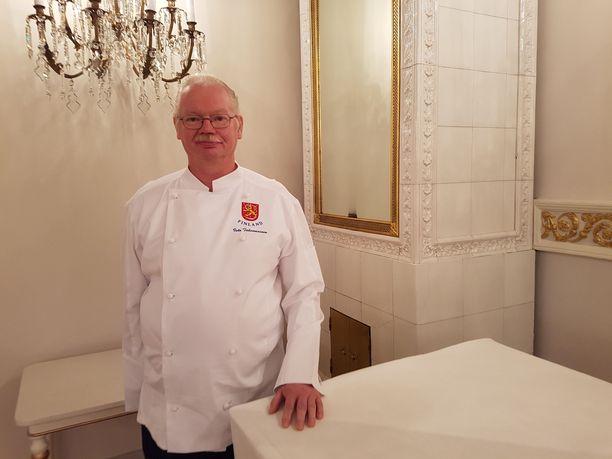 Isto Tahvanainen on ollut Linnan tarjoilujen pomo vuodesta 2000. Arvovieraiden kestitystä hän on tehnyt jo vuodesta 1981.