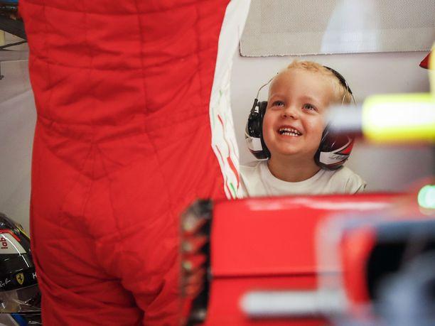 Robin Räikkönen on pienestä pitäen viihtynyt F1-varikolla. Kuva viime vuoden Unkarin GP:stä.