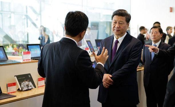 Kiinan presidentti Xi Jingping vieraili keskiviikkona Microsoftin tiloissa Redmondissa osana valtiovierailua Yhdysvaltoihin.