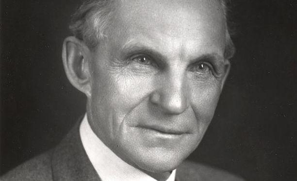 Henry Ford keksi liukuhihnan ja romahdutti autojen hinnan.
