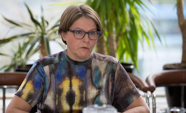 """Europarlamentaarikko Heidi Hautala sanoo, että Suomessa lobbaus on """"paljon sääntelemättömämpää kuin Brysselissä""""."""
