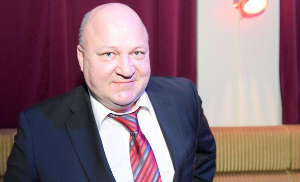 Jukka Holtari operoi JYPin urheilutoimenjohtajana.