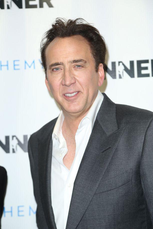Nicolas Cage joutui luopumaan dinosauruksen kallostaan.