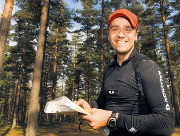 Sami Kauppinen kertoo urheilun auttavan häntä jaksamaan paremmin. – Uskallan väittää, että kun pitää itsensä fyysisesti hyvässä kunnossa, psyykekin pysyy kunnossa. Tämä on auttanut minua ohjelmassakin.