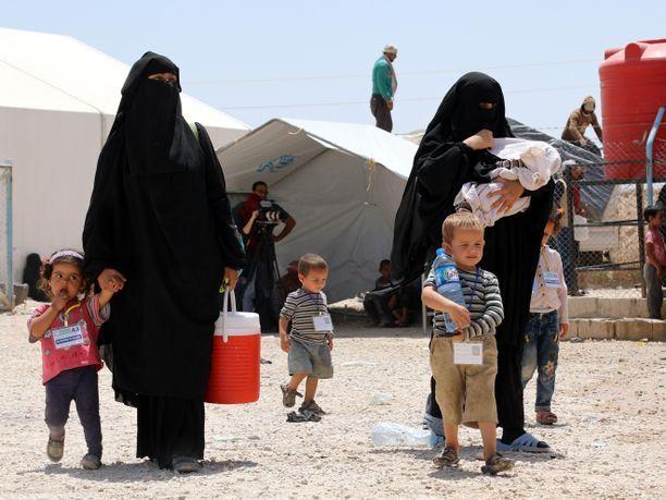 Al-Holin leirillä Syyriassa on tiettävästi noin kymmenen suomalaisnaista ja heidän kolmisenkymmentä lastaan.