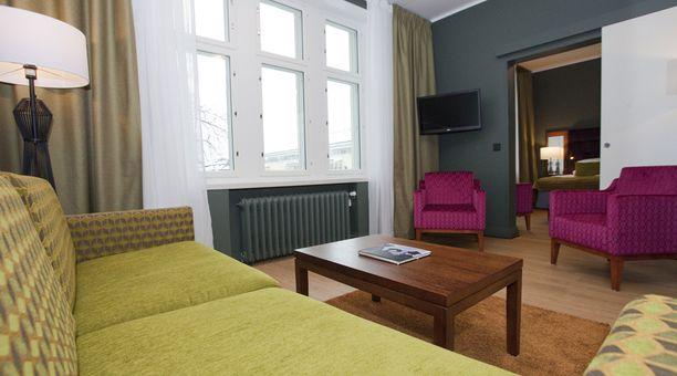 Puijonsarven uusittu Jugend-huone.