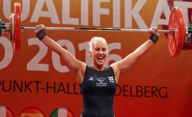Anna Everi kritisoi painonnoston olympiavalintaa kovasti.