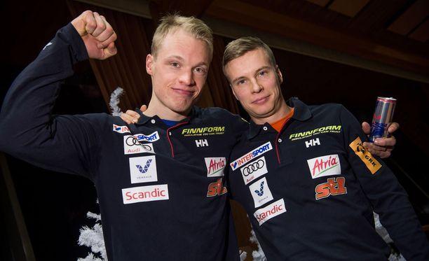 Iivo Niskanen (vas.) on löylyttänyt Matti Heikkistä tällä kaudella.