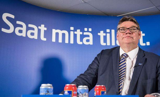 Ulkoministeri Timo Soini (ps) ei ole toistaiseksi kommentoinut tarkemmin kansanedustaja Olli Immosen kohahduttavia kirjoituksia.