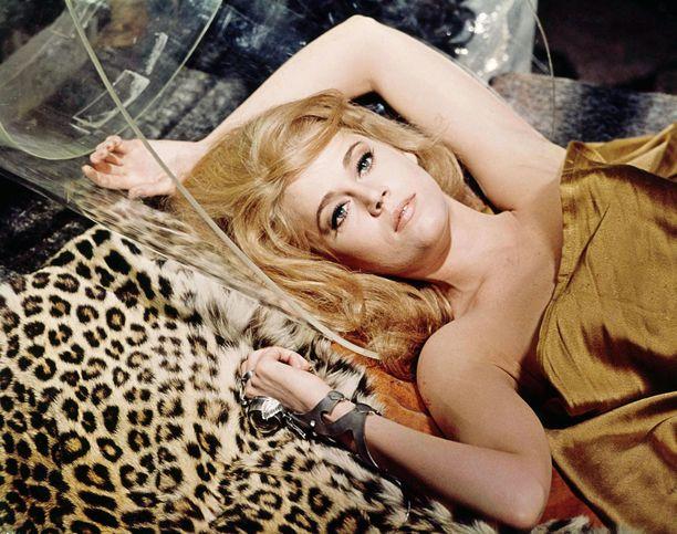 Janen ensimmäinen aviomies Roger Vadim ohjasi häntä vuoden 1968 kulttielokuvassa Barbarella.