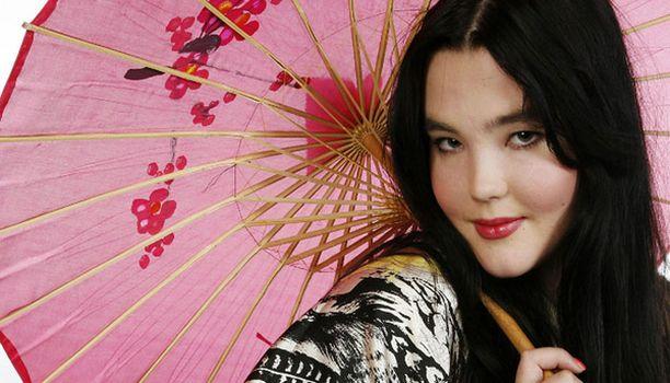 Mallina julkisuuteen noussut Ninja on siirtynyt laulajan uralle.