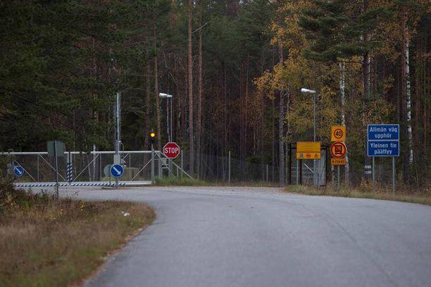 Jussi Niinistön (ps) mielestä ulkomaalaisten tekemiä tontti- ja kiinteistökauppoja sotilaskohteiden lähellä on syytä seurata.