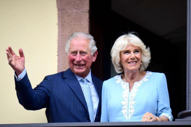 Prinssi Charles teki viime vuonna useita ulkomaanmatkoja. Herttuatar Camilla oli suurimmaksi osaksi mukana.