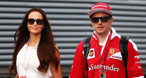 Kimi Räikkönen ja Minttu Virtanen vihitään tänään Italiassa.