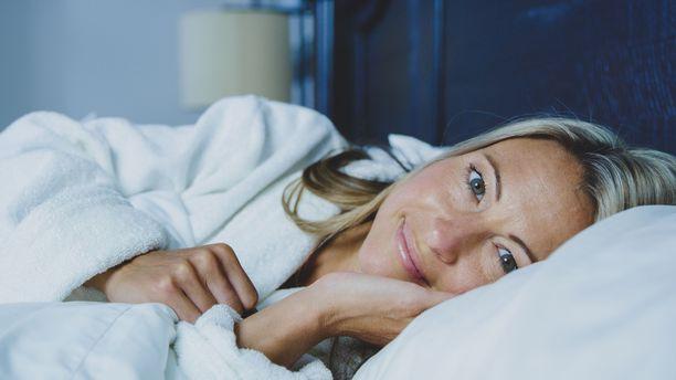 Televisio päällä nukkuminen voi häiritä kropan luonnollista hormonitasapainoa.