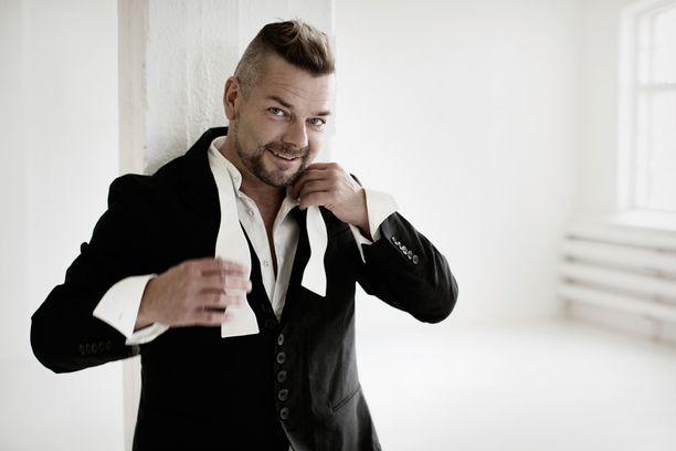 Jari Sillanpää on esiintynyt televisiossa muun muassa Tähdet, tähdet -ohjelmassa.