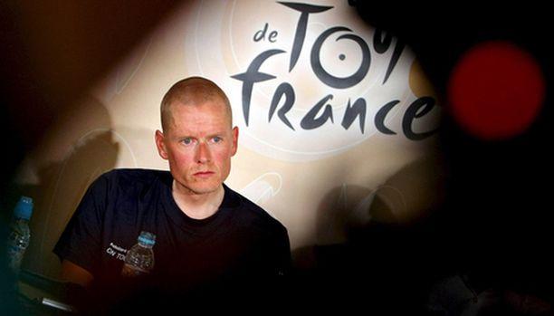Michael Rasmussen hyllytettiin Ranskan ympäriajosta, koska hän valehteli tallilleen.