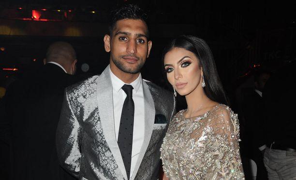 Amir Khan on naimisissa Faryal Makhdoomin kanssa.