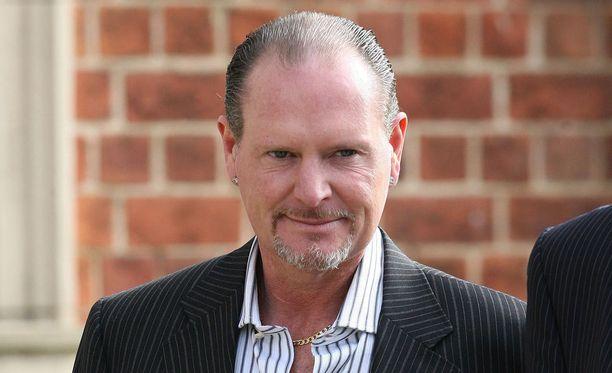 Minkä konnuuden uhriksi Paul Gascoigne joutui 1988?