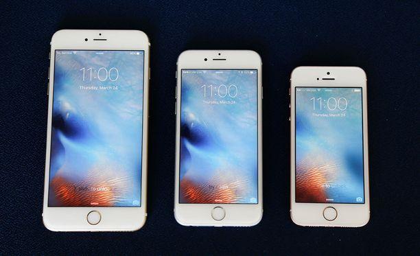 Applen tuoreimmat puhelinmallit iPhone 6S Plus, 6S ja SE.