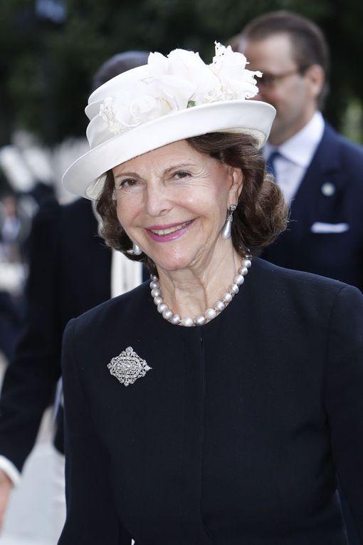 Kuningatar Silviasta tuli jälleen mummo kaksi viikkoa sitten, kun prinssi Carl Philip sai toisen lapsen. Koko hovi on pienokaisesta innoissaan.