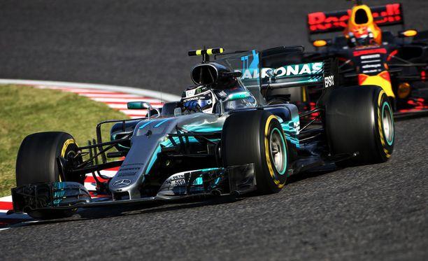 Valtteri Bottas ei päässyt Japanin GP:n palkintopallille.