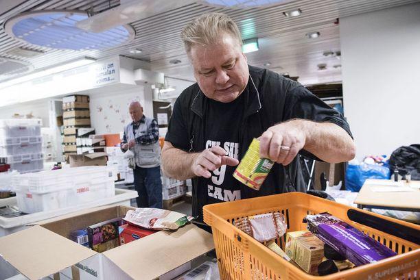 Heikki Hurstin mielestä on häpeä, että näin rikkaassa maassa nähdään nälkää eikä kaikille riitä edes kattoa päänsä päälle.