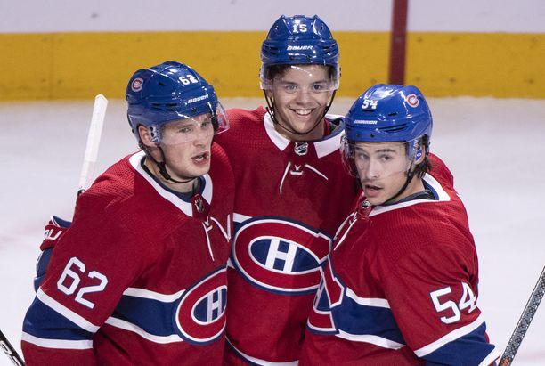 Artturi Lehkonen hankki kaksi syöttöpistettä ottelussa Pittburgh Penguinsia vastaan. Charles Hudon laukoi Canadiensin viidennen maalin. Jesperi Kotkaniemi jäi tehopisteittä, mutta sai kehuja valmentajaltaan.