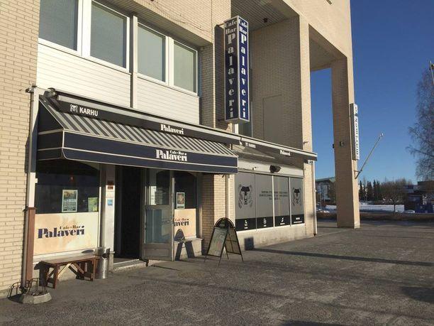 Täällä Cafe-Bar Palaverissa kadonneesta Eeva Eskelisestä tehtiin viimeinen varma havainto katoamisiltana. Lähtiessään Eskelinen kääntyi vasemmalle kohti kuvassa näkyvää risteystä.