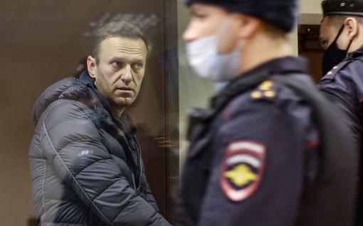 Saako Navalnyi lisää vankeutta? Sotaveteraanin kunnianloukkauskäsittely jatkui Moskovassa, seuraava käsittely ensi viikolla