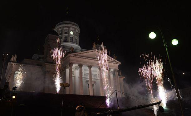 Poliisi sai useita ilmoituksia seksuaalisesta ahdistelusta uudenvuodenyöltä Helsingin keskustasta Senaatintorilta tai sen läheisyydestä.