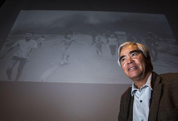 Nick Ut oli 21-vuotias sotakuvaaja, kun hän otti legendaarisen kuvan Vietnamin sodasta.