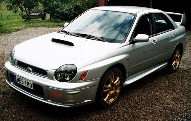 Kuvan auton kaltainen (paitsi ei STi) ikääntynyt Subaru Impreza hajosi. Oikeuden mielestä ostajaa oli huijattu.