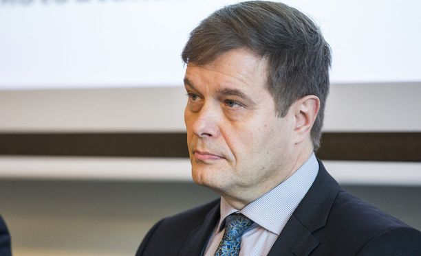 Kari Tolvasen mukaan lain selvitystoimiin pitää ryhtyä viipymättä.