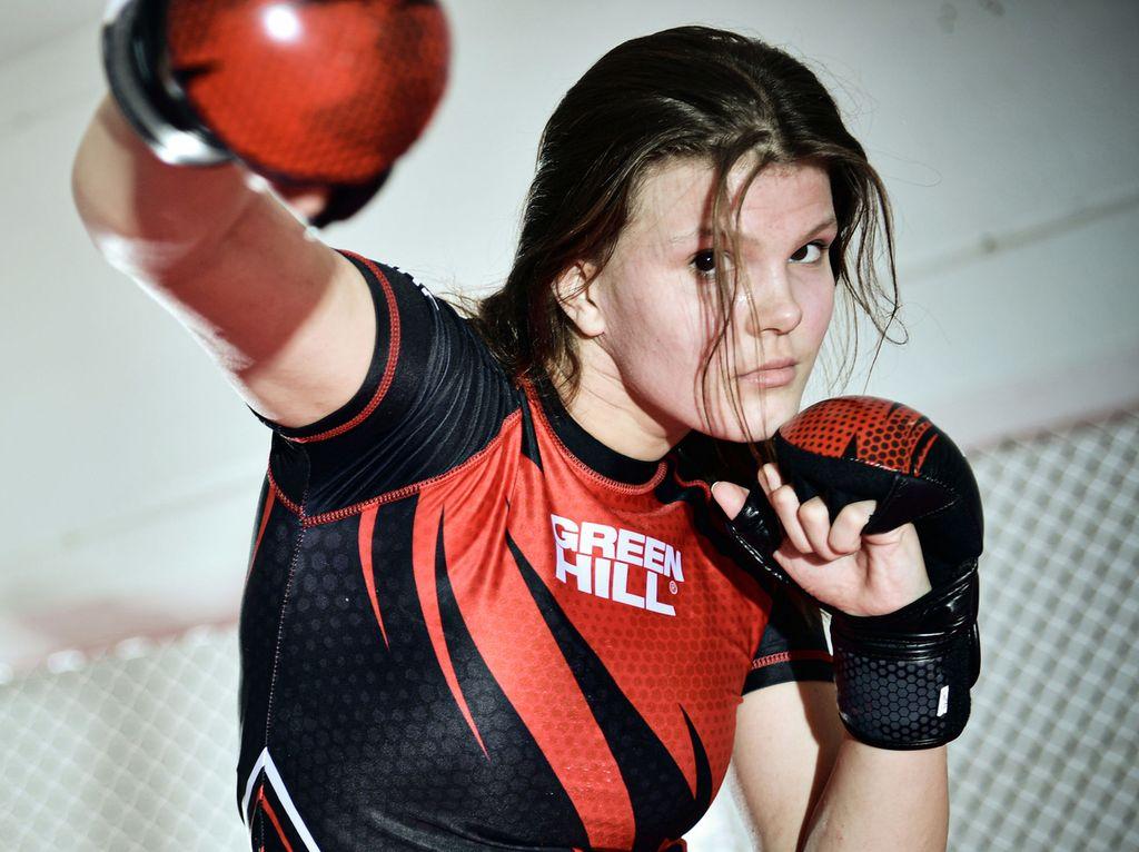 20210112: HELSINKI: 14-vuotias vapaaottelija  IDA SUVANTO . Kuva Pasi Liesimaa/IL