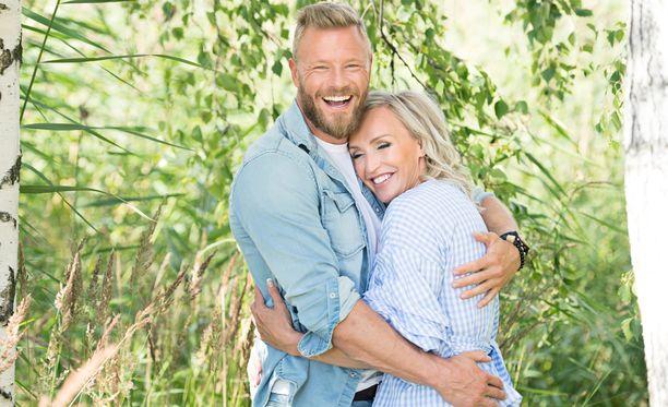 Juha Rouvinen ja Jutta Gustafsberg aikovat avioon kesällä.