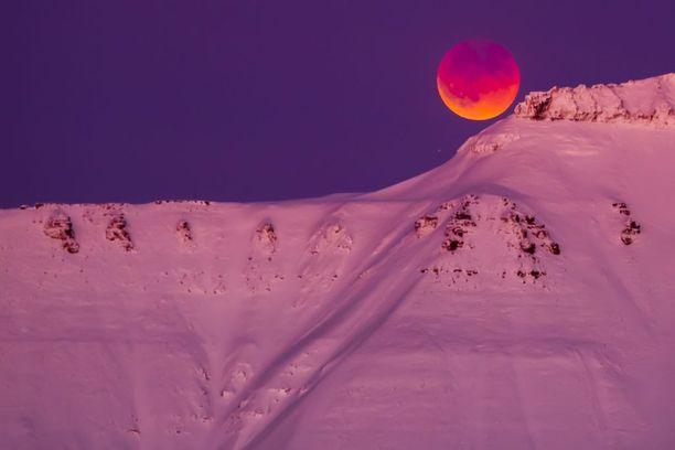 Longyearbyen, Huippuvuoret, Norja