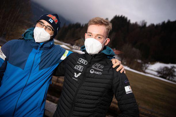 Ristomatti Hakola (vas.) ja Joni Mäki muodostavat Suomen tiimiin MM-pariviestissä.