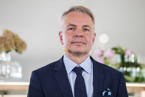 Vihreiden pätkäpuheenjohtaja Pekka Haavisto toimi Vihreän Langan päätoimittajana vuonna 1983.