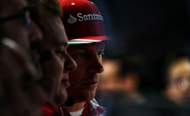 Kimi Räikkönen ei luota Ferrarinsa kestävyyteen.