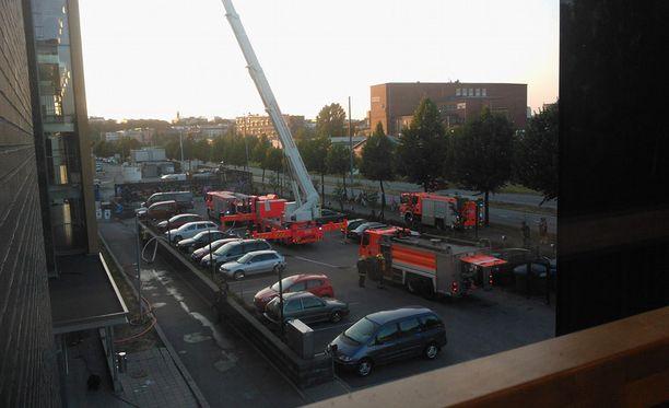 Viisi yksikköä oli sammuttamassa paloa.