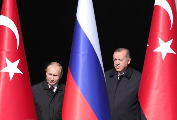 Venäjän presidentti Vladimir Putin (vasemmalla) ja Turkin presidentti Recep Tayyip Erdogan ovat hioneet maiden välistä yhteistyötä viime aikoina parempaan suuntaan.