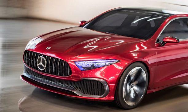 AMG-keulainen A-sarjan sedankonsepti esiteltiin Shanghaissa vuosi sitten. B-pilariin saakka muoto on sama kuin tulevassa hatchbackissä, mutta perusauton maski on maltillisempi.