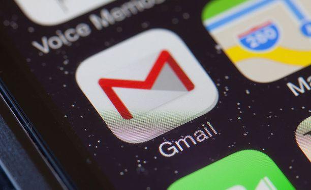 Google on tähän saakka hyödyntänyt Gmailin ilmaisversiota käyttävien sähköposteista löytyviä asiasanoja mainosten kohdentamiseen.